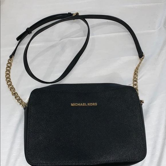 Michael Kors Handbags - Jet set large saffiano leather crossbody bag